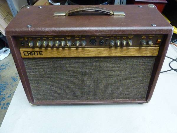 Photo Crate CA 60  Fender Squier 15 Guitar Amps (Sparks)