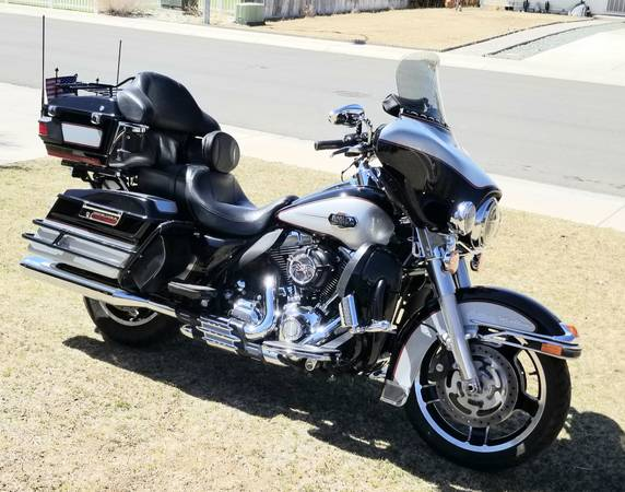 Photo Harley Davidson 2010 Electra Glide Ultra Classic -- Ultra Sweet Ride - $11,500 (Dayton - Carson City)