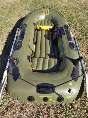Photo Sevylor 280 Fish Hunter Fishing Boat - $190 (Oroville)