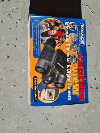 Photo Wts 8x22 Meade binoculars built in digital camera - $20 (Cottonwood)