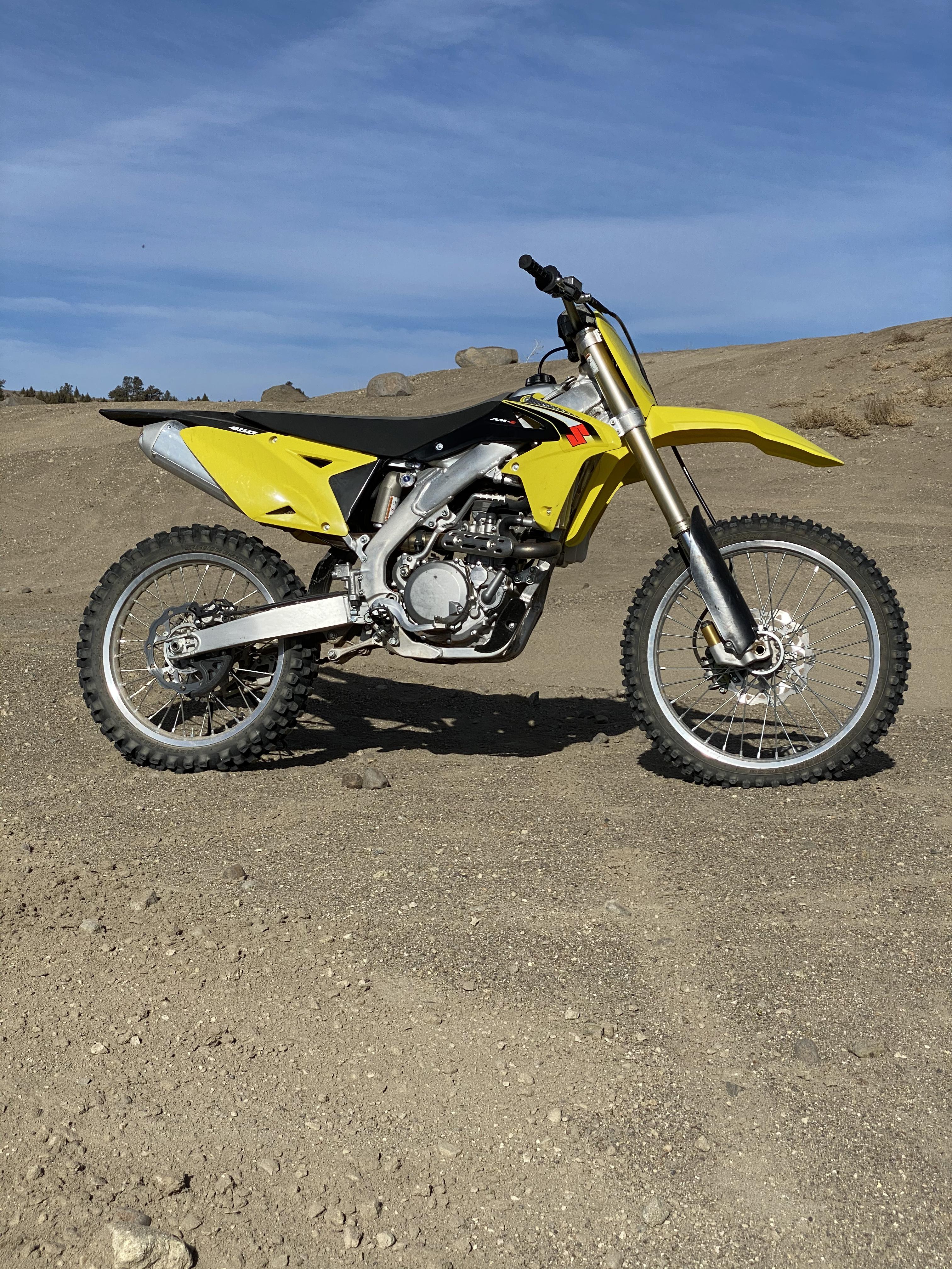 Photo Used 2016 Suzuki Dirt Bike Motorcycle  $6500