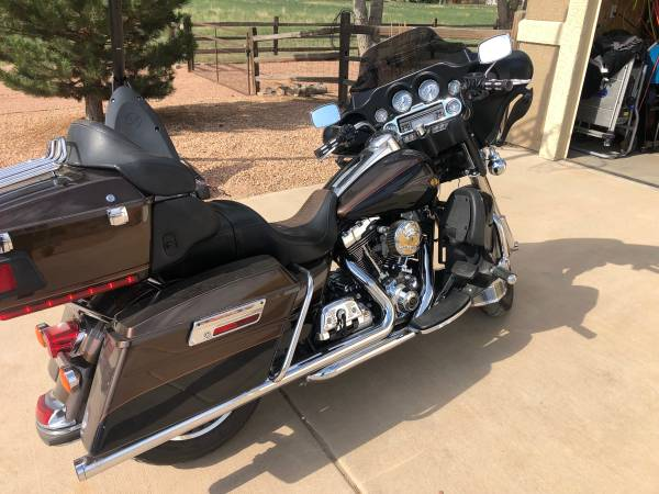 Photo 2013 Harley-Davidson FLHTK Electra Glide Ultra Limited 110th Anniversary - $13,500 (Pueblo)