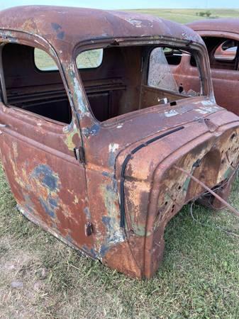 Photo 36 Chevy Pickup Cab - $400 (Dodge City)
