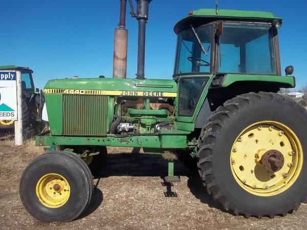 Photo Buying John Deere 30 40 and 50 series tractors (Nazareth)