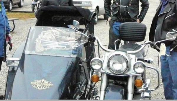 Photo Harley Davidson sidecar - $12,500 (Caon City)