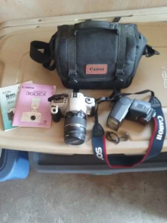 Photo NICE Canon Rebel 2000 EOS 35mm. Camera - $40 (Wichita Ks.)
