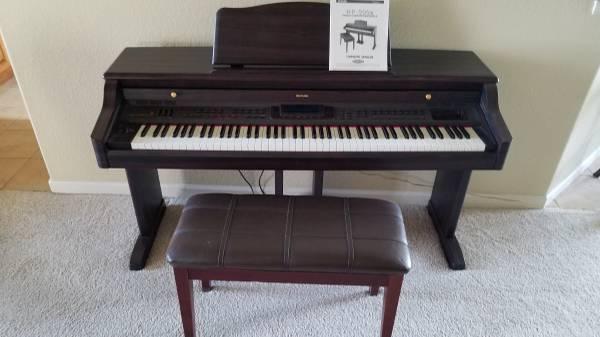 Photo Suzuki digital keyboard - $300 (Pueblo West)