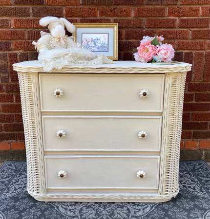 Photo Vintage White Wicker Dresser - $200 (East Wichita)