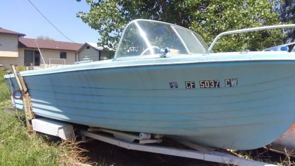Photo Vintage boat 1964 Seaswirl-sale pending (Pueblo)