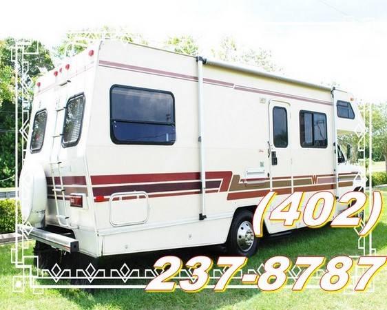 Photo WANTED 1990 Winnebago Journey or Cer Meridian 27T Motorhome - $1,600 ((janesville))
