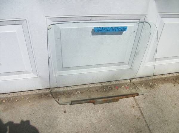 Photo 1973-76 -Ford- F150-LH Truck Non Tinted Clear Door Glass or Window - $25 (cassopolis mi.)