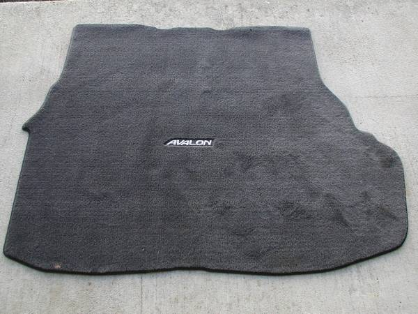 Photo 1998 TOYOTA AVALON TRUNK MAT - $50 (STEVENSVILLE)