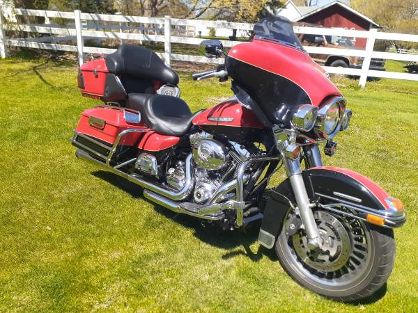Photo 2010 Harley Davidson Electra Glide - $10,500 (Hickory Corners)