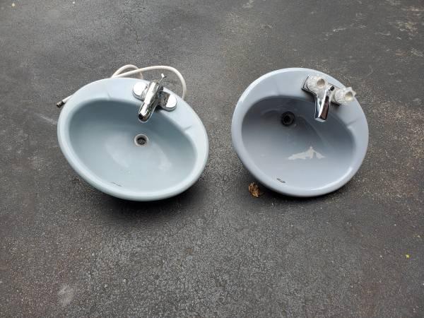 Photo Blue Porcelain Sinks (Stevensville)