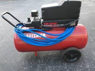 Photo Craftsman Air Compressor - $170 (Stevensville)