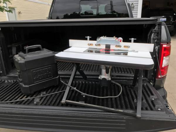 Photo Frued Benchtop Router Table and Porter Cable fixed base 892 - 2 14 hp router - $170 (Benton Harbor)