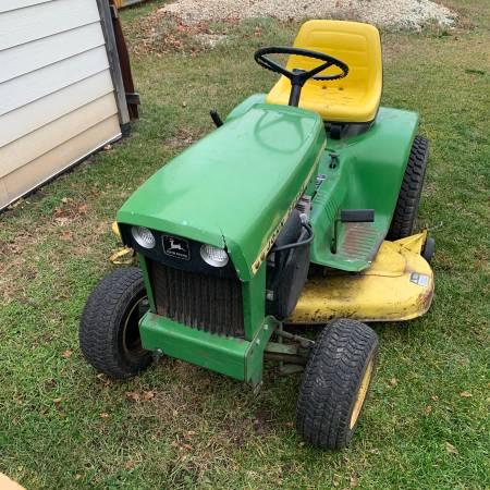 Photo John Deere 112 lawn  garden tractor mower with power lift - $1,200 (White Pigeon Michigan)