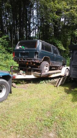 Photo Parting Out A 2 door 1994 4x4 Jeep Cherokee Sport (cassopolis mi.)