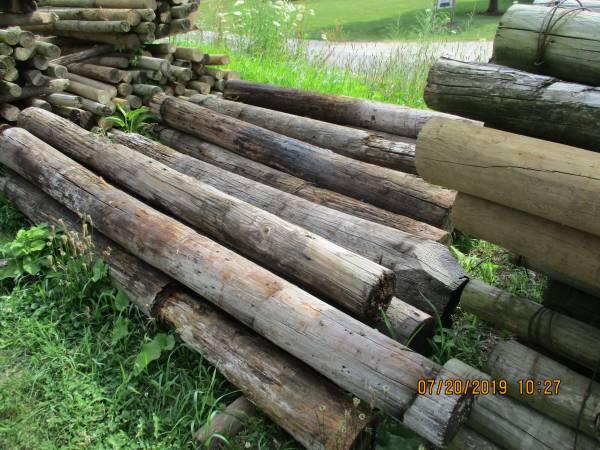 Photo USED POSTS, 8 ft Treated Pine, Cedar, 739 steel T, RR ties, utility pol - $5 (SCOTTDALE ROAD BERRIEN SPRINGS, MI 49103)