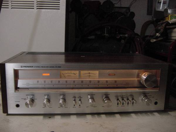 Photo Vintage Pioneer SX-650 Stereo Receiver - $185 (ColomaMichigan)