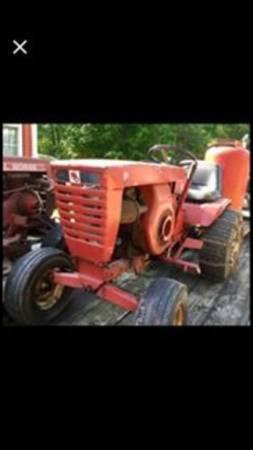 Photo Wheel Horse Garden Tractor - $325 (Niles)