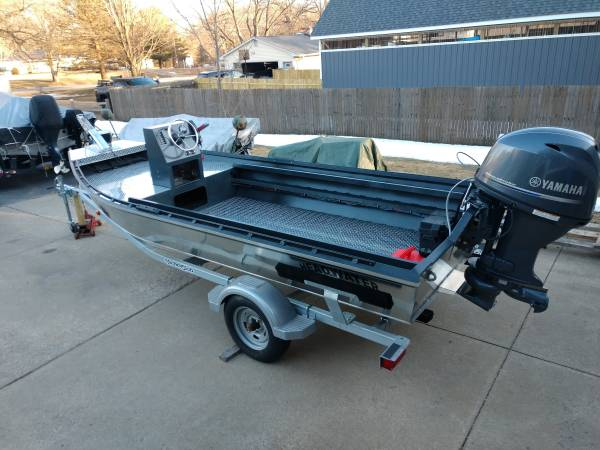 Photo headwater 1654 river boat  jet boat - $22,900 (Clio)