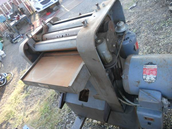 Photo rockwell delta planer industrial macine heavy 3 phase - $400 (muster in)