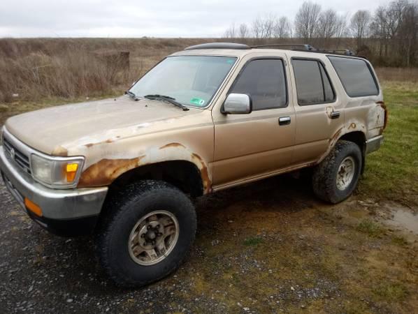 Photo 1994 Toyota 4Runner - $400 (Fairlea)