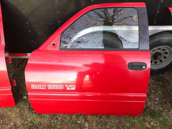 Photo 1999 Dodge Ram 1500 Sport Doors,Door - $200 (Gap Mills,WV)