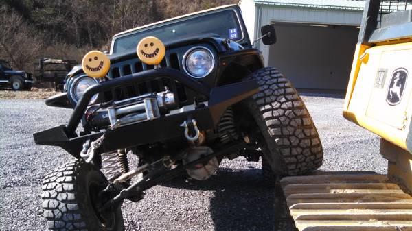 Photo Custom 1997 Jeep Wrangler - $22,000 (Lewisburg)