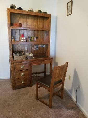 Photo Desk and Chair (Solid Oak) Desk lighted - $350 (Roanoke)