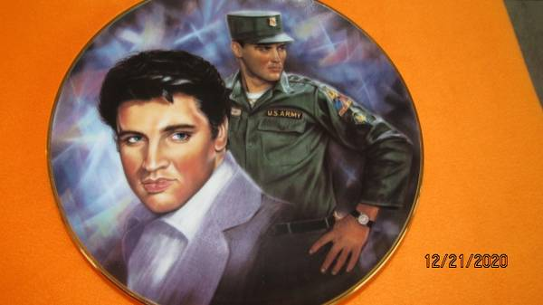 Photo Elvis, Gone With the Wind, Lucy, John Wayne Collectible Plates (Green Sulphur Springs)