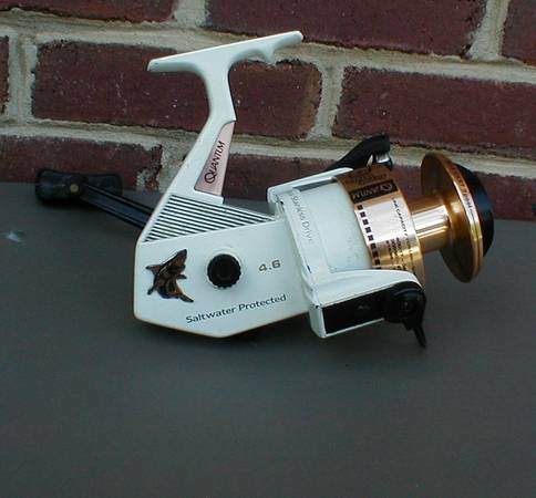 Photo Fishing Reel Salt Water Quantum Zebco Great White 8 - $65 (Vinton)