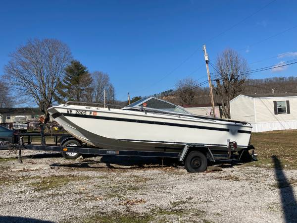 Photo Formula -Thunderbird 18 Open bow boat - $475 (Winfield)