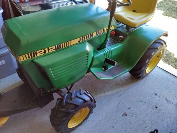 Photo John Deere Lawn Tractor - $1,000 (Rocky Mount)