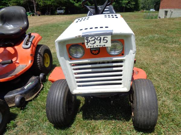 Photo SIMPLICITY 44 INCH LAWN TRACTOR MOWER - $395 (Floyd Va.)