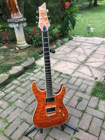 Photo Schecter C1 Elite, amber - $525 (Wheelersburg)