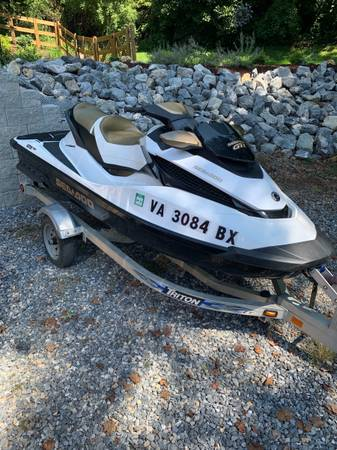 Photo Sea Doo Jet Ski - $11,999 (Goodview)