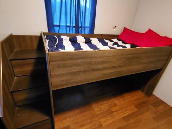 Photo Twin size loft bed - $150 (BLUE RIDGE)