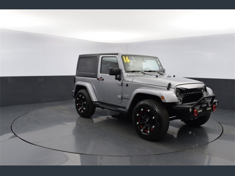 Photo Used 2016 Jeep Wrangler 4WD Sahara w Dual Top Group for sale