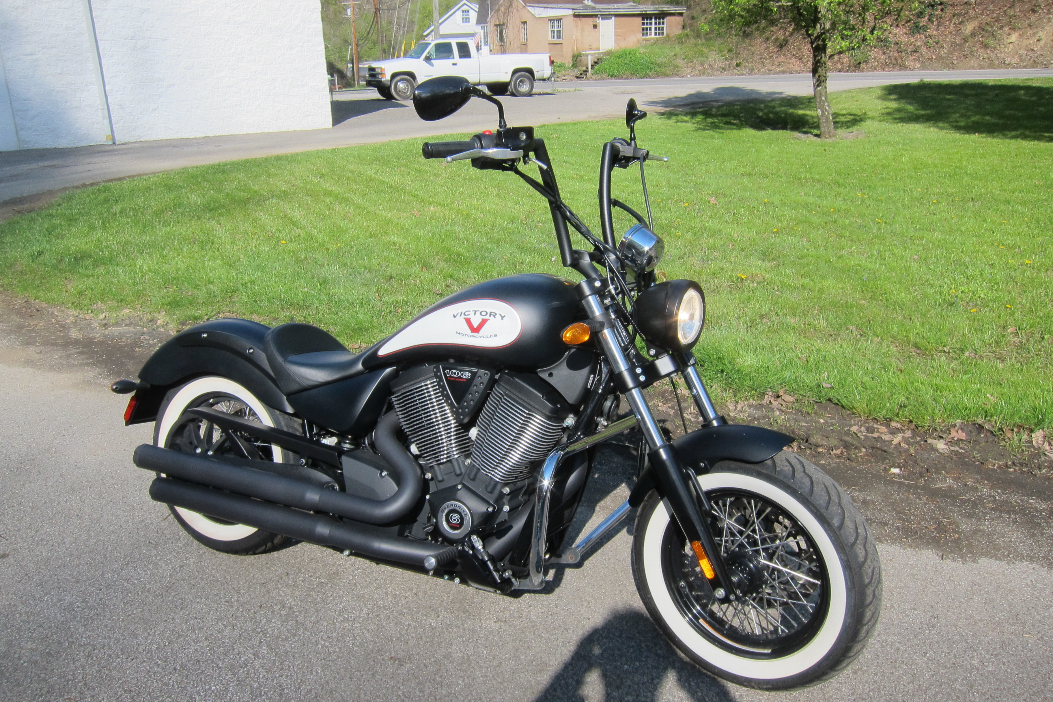 Photo Used 2016 Victory Cruiser Motorcycle  $9995