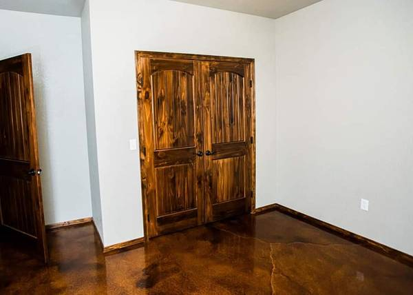 Photo 2 PANEL KNOTTY PINE INT DOORS AND MORE - $140 (Mountain City)