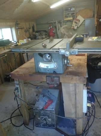 Photo 8in delta tablesaw - $50 (arden)