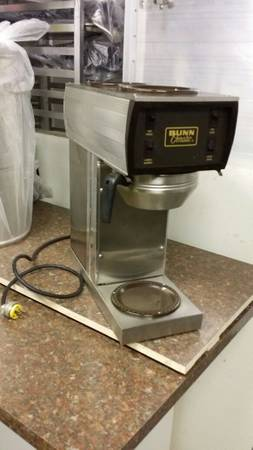 Photo BUNN COMMERCIAL COFFEE MAKER - $50 (WEAVERVILLE)