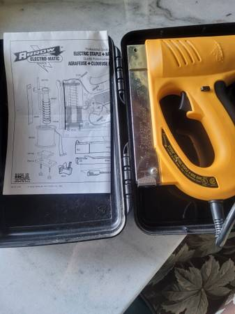 Photo Electric Staple and Nail Gun (NEW) - $20 (Edneyville)