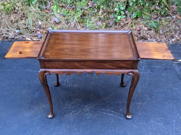Photo Henkel Harris Virginia Mahogany Occasional Tea Table wCandle Slides - $425 (Sylva)