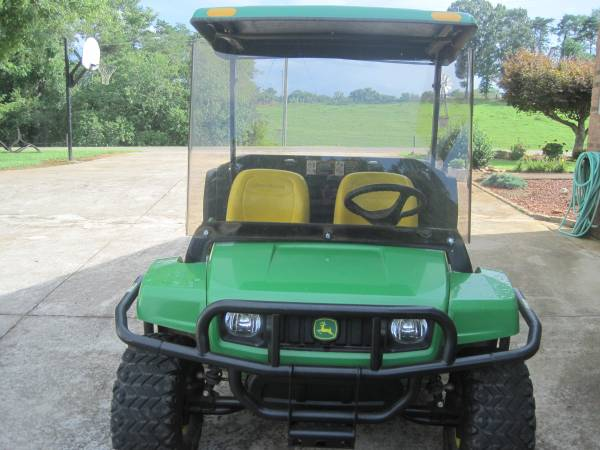 Photo John Deere TH Gator 6x4 farm gator - $10,000 (ararat,nc)