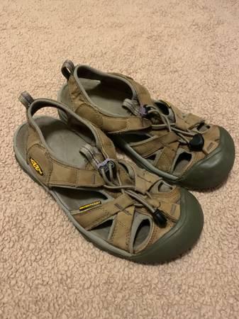 Photo Keen Womens Leather Sandals Sz. 7 - $20 (Arden)