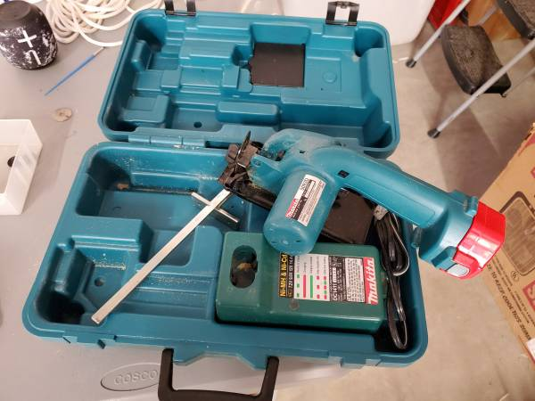 Photo Makita Trim Saw - $30 (Maggie Valley)
