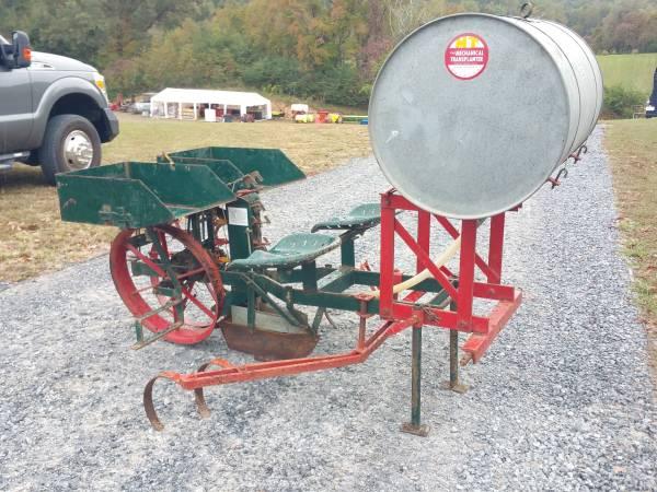 Photo Mechanical Transplanter - $500 (Elizabethton, TN)